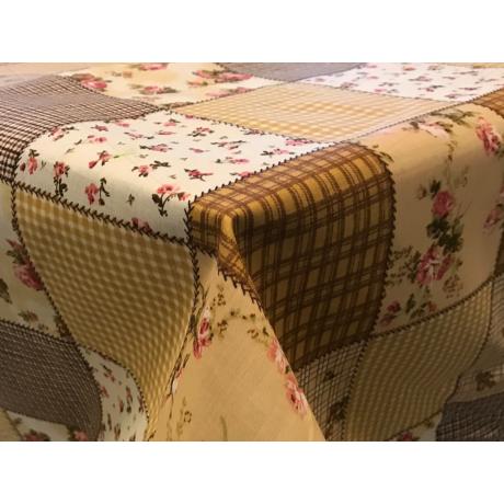 Asztalterítő nyomott mintával 140x140 cm barna virágos patchwork